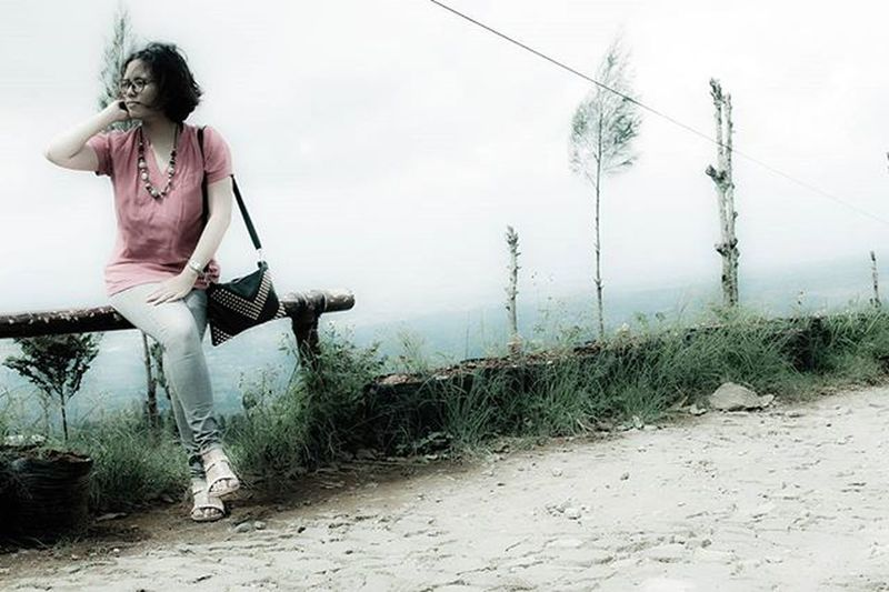 Me Time katanya ...:D Posong Siang Berawan Mendung Kabut Liburan Eksploretemanggung Canon Camera
