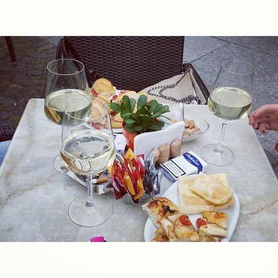 Senza aperitivo 😆💪💕 Piazzaroma Modena Reimondini Silvia Maki Endi Instagram Instafriends Friends Aperitivo  Ape