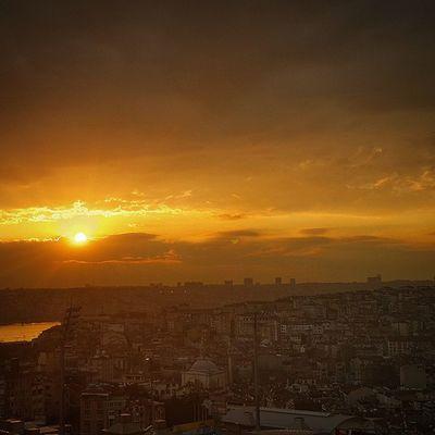 Kasımpaşa Taskinmise Bytaskin Bymise instamood taskinmise istanbul Turkey birdakika turkinstagram allshotsturkey ahd_photo fotografheryerde fotograf hayat naturel sunset night