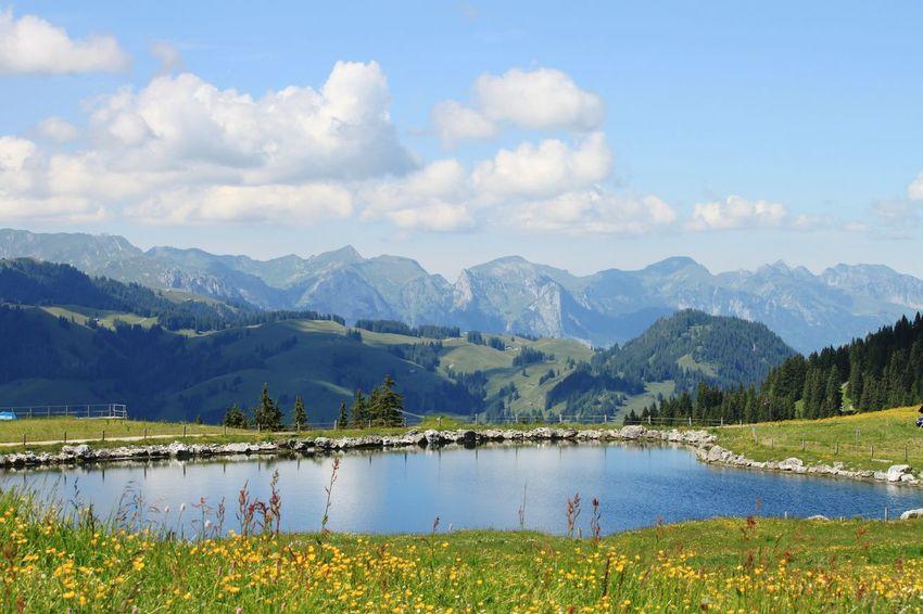 Schweiz Schweiz 🇨🇭, Switzerland Berner Oberland Bernese Oberland Saanenmöser Simmental Jaunpass Swiss Mountains Mountains Berge See Bergsee HJB