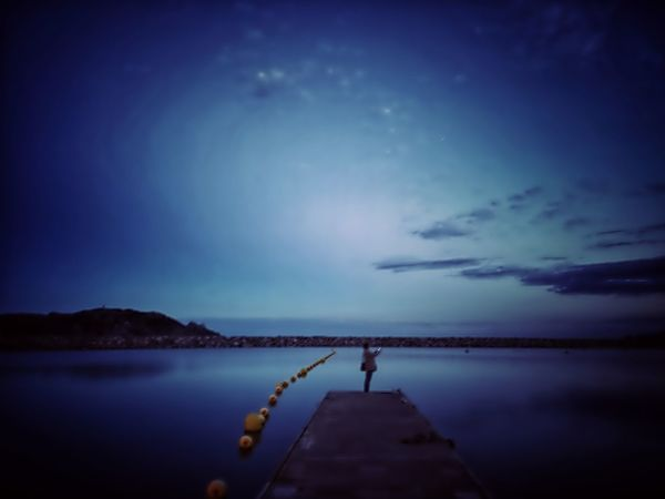 The dock of the bay. Somosfelices Stremzoofamily Cloud - Sky Streetphotography #citylife darkness and light Darkness 4eyephotography EyeEm Best Shots EyeEm Nature Lover Nigthphotography Nigthpicture Water Star - Space Illuminated Beach Blue Moon Lighthouse Coast Infinity Calm Ocean Full Moon Moonlight A New Beginning EyeEmNewHere