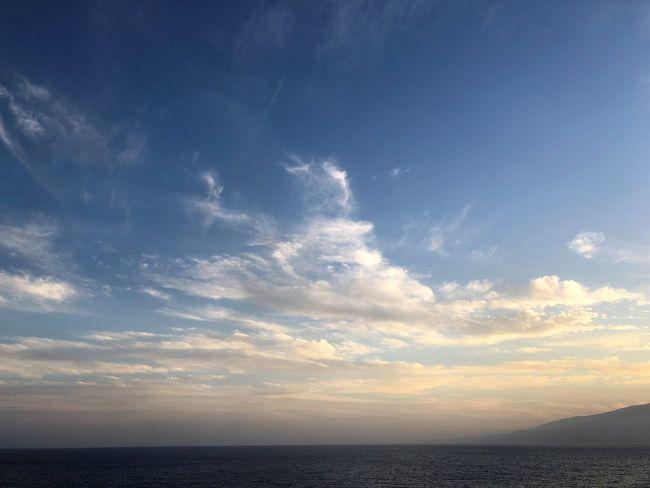 Sky Sea Water Horizon Beauty In Nature Cloud - Sky Horizon Over Water Tranquility Scenics - Nature Tranquil Scene Nature No People Sunset Idyllic Blue Sunlight Outdoors Urban Skyline Majestic Wolkenbilder Wolkenkunst Sonnenuntergang Abendstimmung Himmel Und Meer Panorama