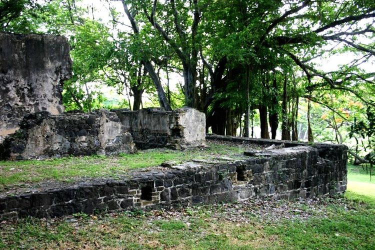 Ruins Fort St. Lucia Traveling