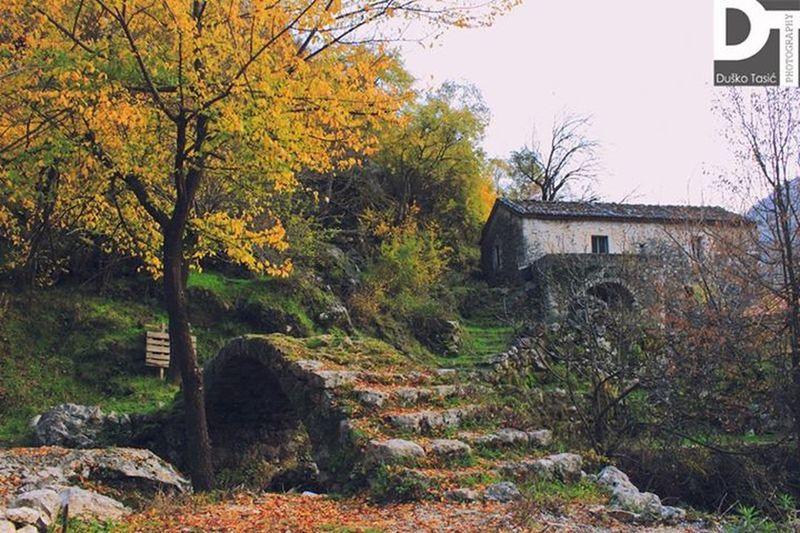Colors Of Autumn Old Bridge Historical Skrill IT Far From Home