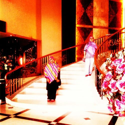 A goodbye posed at the grand stairs Depalmahotel Ampang *Thank you all De Palma's staffs for satisfy us.... Such a relaxing place for rest after my urban raya~ Depalmahotel OhMyRaya UrbanRaya 2013
