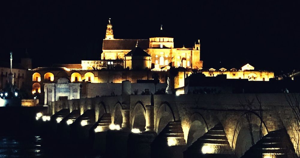 ShotOnIphone Nightphotography Córdoba Roman Bridge Córdoba Roman Bridge Puente Romano De Cordoba Puente Romano Night Built Structure Architecture Building Exterior Illuminated Sky Building Water No People Clear Sky City History Travel Destinations Travel Outdoors Reflection Light