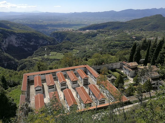 Mountain Tree Architecture Plant Building Exterior Built Structure Nature Landscape Beauty In Nature Scenics - Nature Mountain Range Environment High Angle View Day Building No People Roof Tranquil Scene Tranquility Outdoors Roof Tile TOWNSCAPE Cimitero Panoramic Panorama
