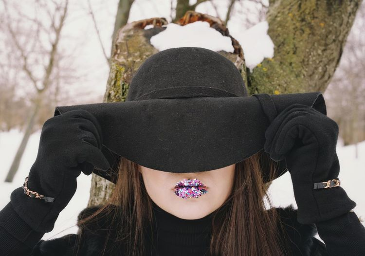 Face Hidden Hiding Face Lips Gloves Young Women Tree One Woman Only One Young Woman Only Warm Clothing Fur Coat Hat Young Women Women Portrait Close-up Snow Covered Snow Frozen Cold Cold Temperature Winter Inner Power Visual Creativity This Is My Skin The Fashion Photographer - 2018 EyeEm Awards The Portraitist - 2018 EyeEm Awards The Still Life Photographer - 2018 EyeEm Awards The Creative - 2018 EyeEm Awards A New Beginning