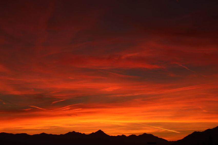 🔥🔥🔥 Mountainrange Colour Mountain Sunset Red Dramatic Sky Silhouette Sky Landscape Mountain Range Moody Sky Romantic Sky Atmospheric Mood
