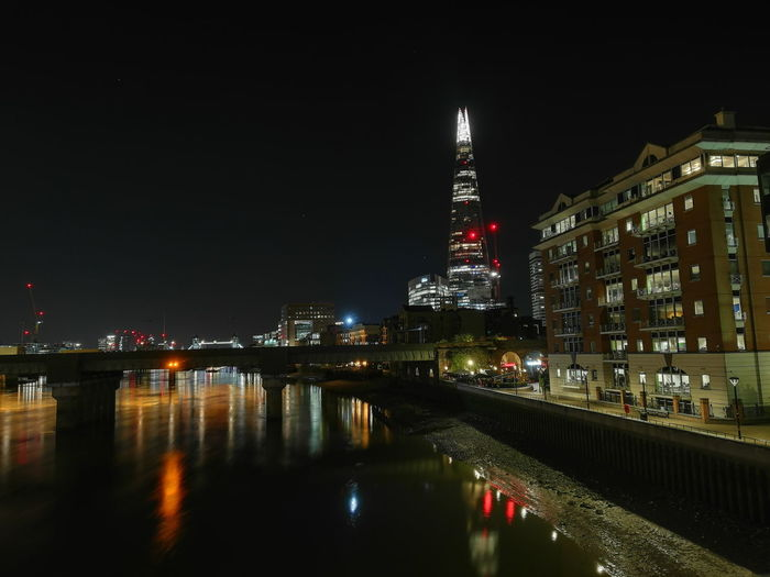 the Shard and the building, London, Sept 18'. London Londres Uk Shard Theshard Thames River Buildings Night Nightphotography City Cityscape Urban Skyline Illuminated Skyscraper Nightlife Reflection City Life Sky Architecture Financial District  Office Building Tower Tall