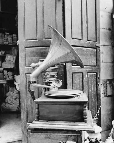 Loud Gramaphone Black And White Oldies But Goodies Loud Sound of Life Egypt Black & White Blackandwhite Photography Khanelkhalili No People Indoors  Day