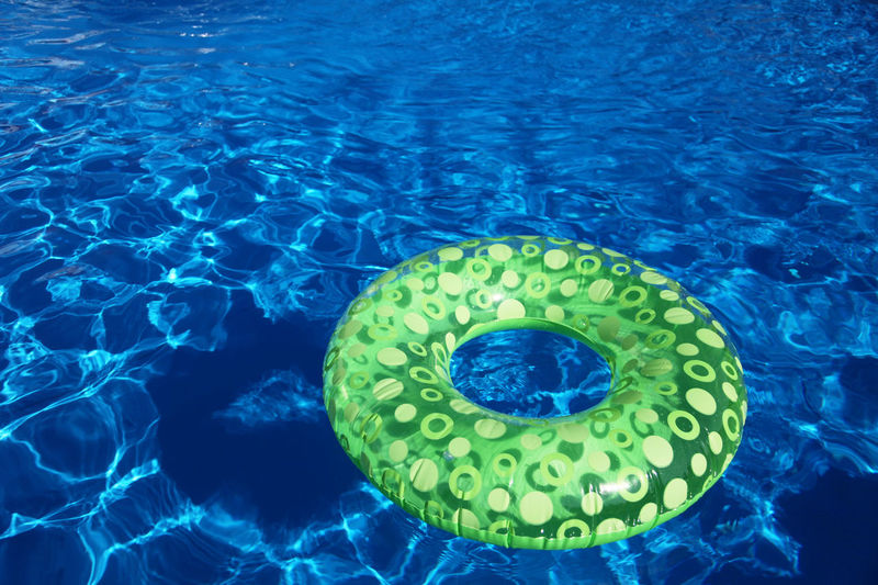 Inflatable toy in swimming pool Copy Space Inflatable  Pool Party Pool Time Poolside Refreshing Summer SUMMER BREAK Summer Holidays Summer Time  Sunshine Swimming Pool Text Space Market Bestsellers May 2016 The Essence Of Summer