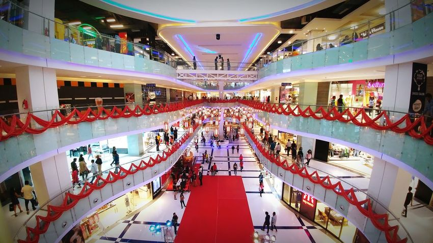 Indoors  Mall Curvy Architecture Extravagance Neons