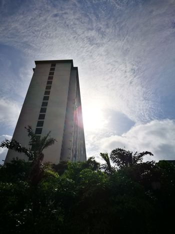 Skyscraper Sunlight Modern Low Angle View Sun Built Structure Architecture