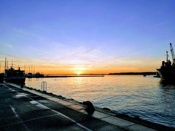 Sunset Water Sky Sea Reflection Cloud - Sky Silhouette