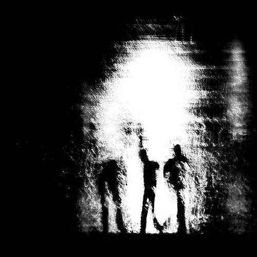 """این عکس در پاسخ به دعوت سروش بقلی زاده برای شرکت در چالش """" پنج روز، پنج عکس سیاه و سفید"""" است. در روز اول، آقایان مهدی قاسمی و مدیار شجاعی فر را به این چالش دعوت میکنم. @soroush.baghalizade @mehdighasemiphoto @madeiyar B &w Black White Challange Abstract Photo Iran"""