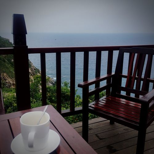 Sea Railing Water Table Drink No People Horizon Over Water Food And Drink Wood - Material Chair Nature Day Outdoors eClose-uppSkyy 想念