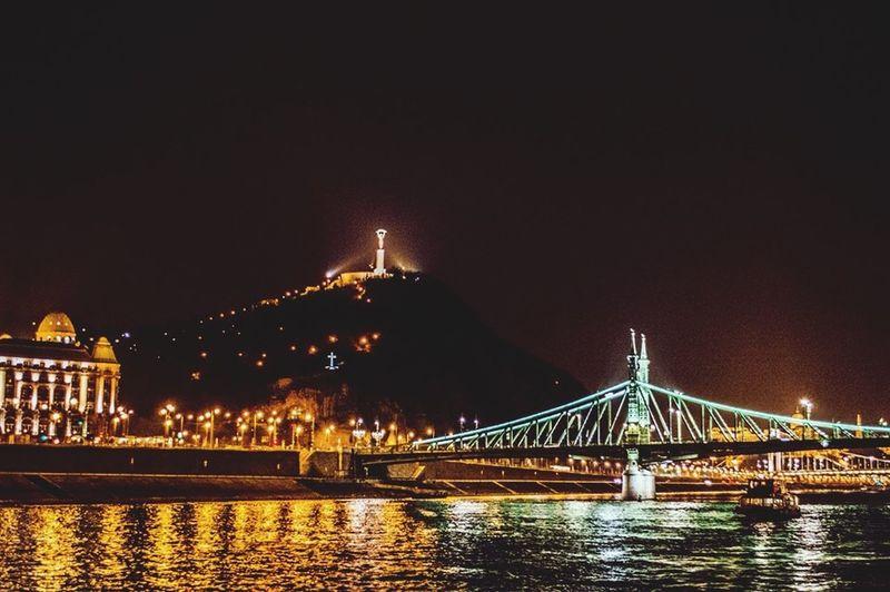 Cittadella Budapest Love Budapest, Hungary Statue