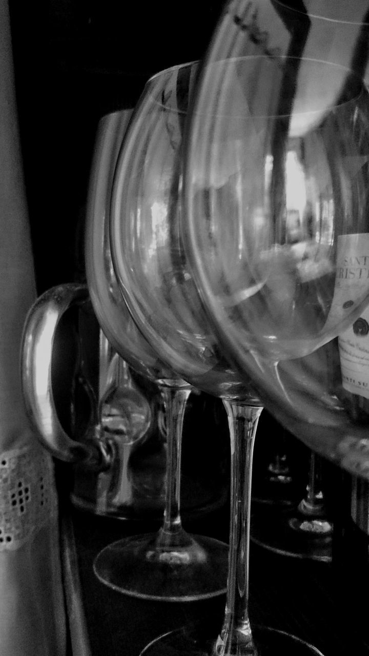 alcohol, indoors, refreshment, wineglass, food and drink, no people, drink, wine, table, drinking glass, close-up, freshness, day, wine cask