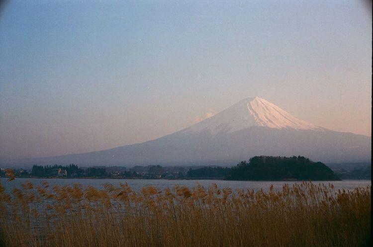 📷YASHICA ELECTRO 35 GT 🎞️FUJI SUPERIA PREMIUM 400 Fuji Mountain Japan Fujifilm Yashica Electro 35 GT Yashica Mountain Beauty In Nature Sky Water Scenics - Nature Nature Tranquil Scene