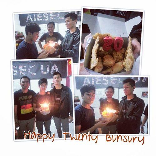 Selamat panjang umur Semoga ulang tahun @rimbunpasuri !!! :D Happy20th Expansion Wyatb