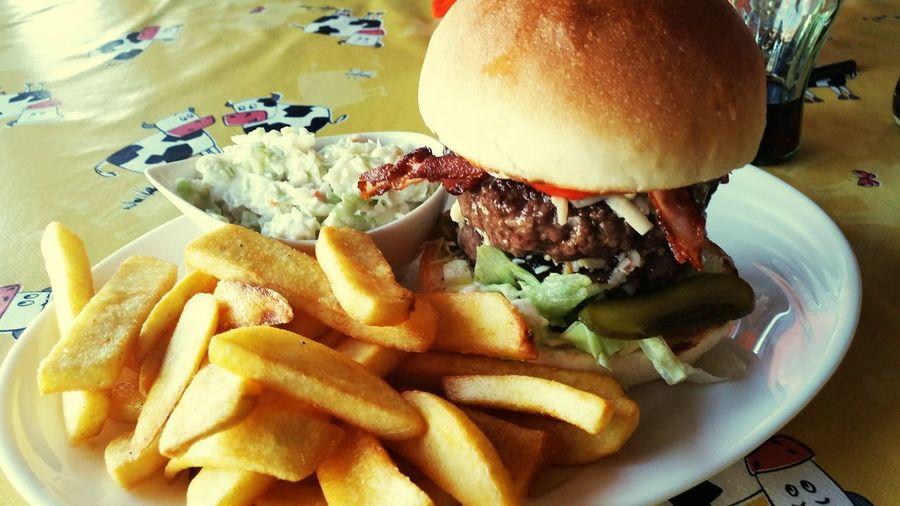 Food Foodporn Hamburger Food And Drink Hedonism Fastfood Cheesburger Mutimiteszel Budaörs Foodphotography Foodgasm Instafood Gasztrometer Foodies Foodie Komloestehen