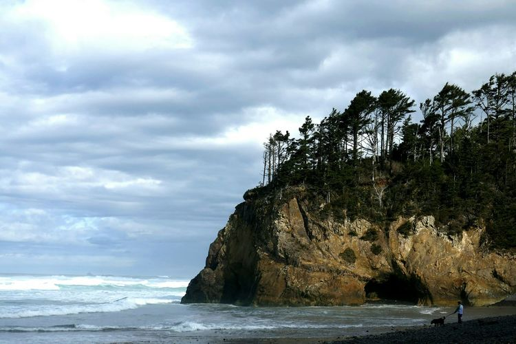Hug Point, Oregon. Hanging Out Beach Learn & Shoot: Balancing Elements Cliffside Ocean Shoreline Clouds And Sky Lumixlounge Waves Crashing Vacation Travel Photography Coastline Landscapes With WhiteWall The KIOMI Collection Feel The Journey