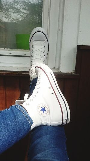 Shoe Low Section Human Leg Fashion Lifestyles Converse Converse All Star Converse Love Converseallstar Converseshoes White Whiteconverse Loveit
