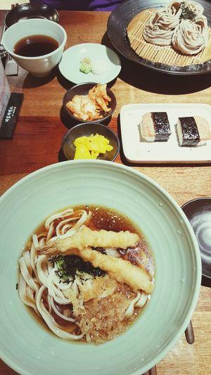 튀김새우 냉칼국수 스팸밥 메밀쟁반