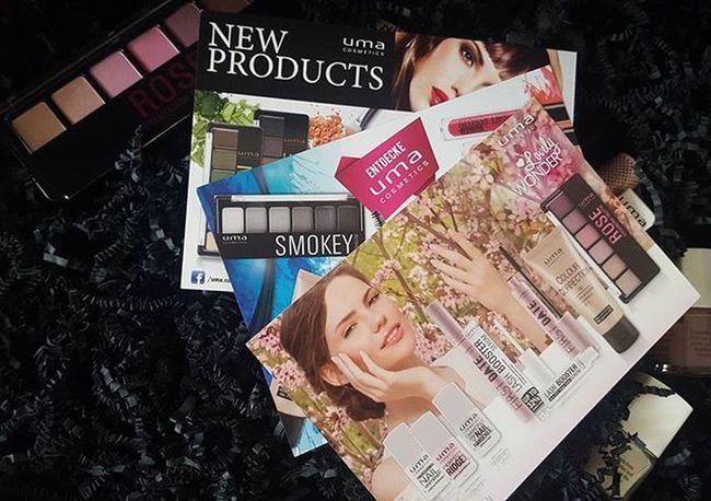 Vorgestern erfahre ich die neue Lovely Wonder Limited Editon von @umacosmetics vorstellen darf und gestern war das Paket schon da. 😍 Ich bin schon gespannt auf die Produkte, bald gibt es einem Bericht auf meinen Blog dazu. Uma Umacosmetics Eyeshadow Nailrepair Lashboost Mascara Makeuplover Makeupartist Makeup Makeupblogger Cosmetics Preview Bbloggers Beautyblogger_de Beautyblogger Bloggergram Blogspot MakeupJunkie Makeuplove
