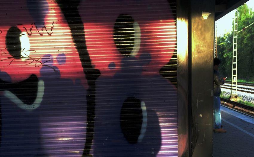 Bahnstreik Hamburg Train Station Chaos Graffiti Working Light And Shadow Inurgentneedforholidays good mood sponsored by Gdl