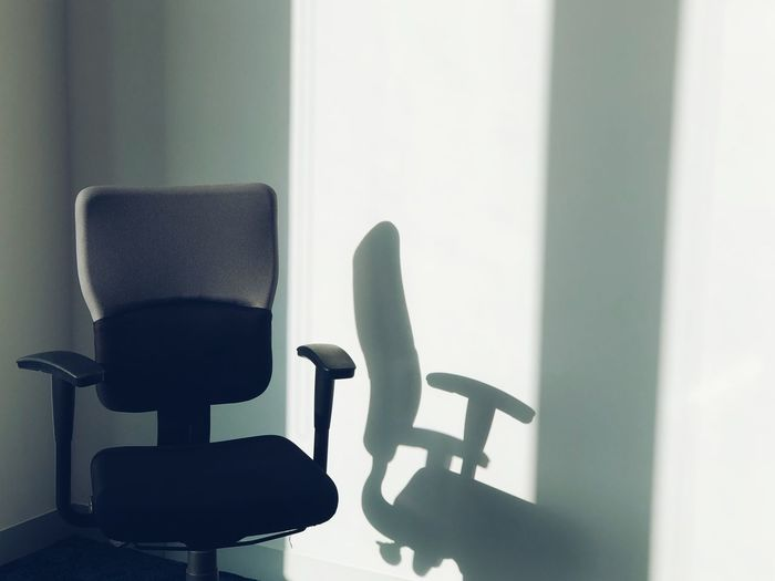 Empty 2 Light And Shadow Iphoneonly IPhoneography Chair No People Day Indoors  Office Chair Close-up