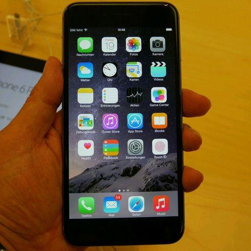 ようやく触ったiPhone 6 Plus。