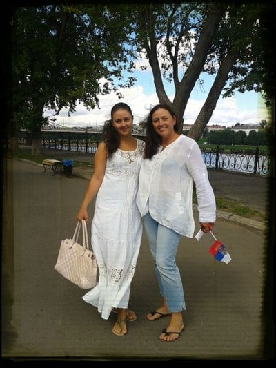 С мамочкой)