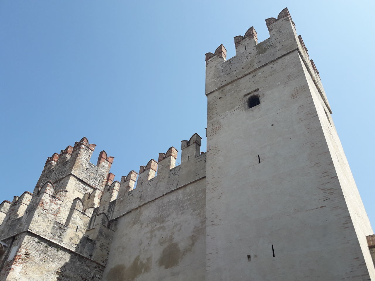 low angle view, architecture, history, built structure, fort, building exterior, day, outdoors, castle, no people, clear sky, sky