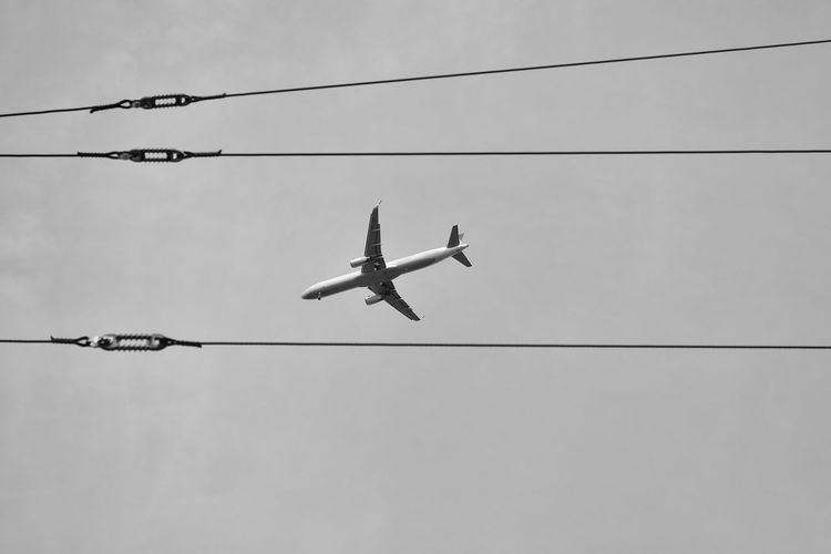 Berlin Air Vehicle Airplane Cable Clear Sky Day Electricity  Flying Mode Of Transportation No People Outdoors Pankow Pankow-heinersdorf Power Line  S/w Sky