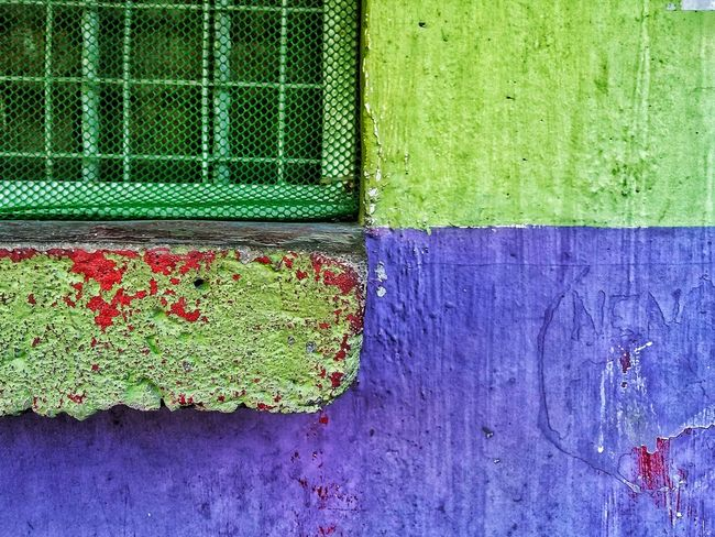 Minimalism Textures and Surfaces Minimalism Contrast Green Color Day No People Built Structure Outdoors Wall - Building Feature Multi Colored Pattern