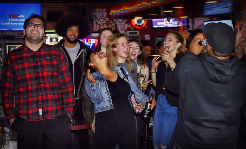 Karaoke Karaoke Time Karaoke Night KaraokeNight Bar Tattle Tale Culver City Check This Out Hanging Out Enjoying Life