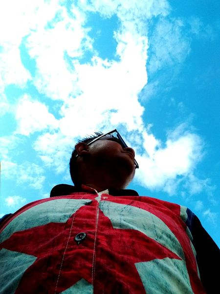 Low Angle View Sky Leisure Activity Cloud Blue Casual Clothing Day Cloud - Sky High Section Tall Capture By Vivo Nature Outdoors Sibutown Non-urban Scene Mystery Mypoint Of View Skyview