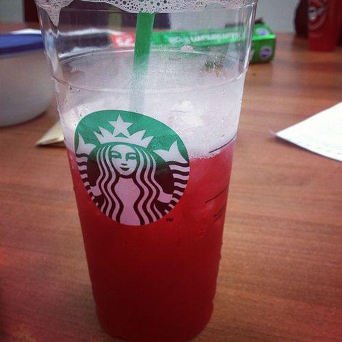 Starbucks Passionfruittea yummy