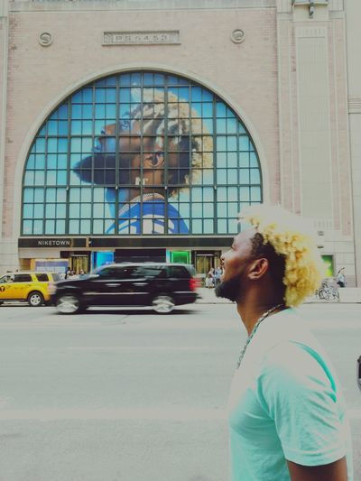 Odell Beckham Jr Look Alike ? Curly Hair Young Adult Architecture Copy Cats Street Photography