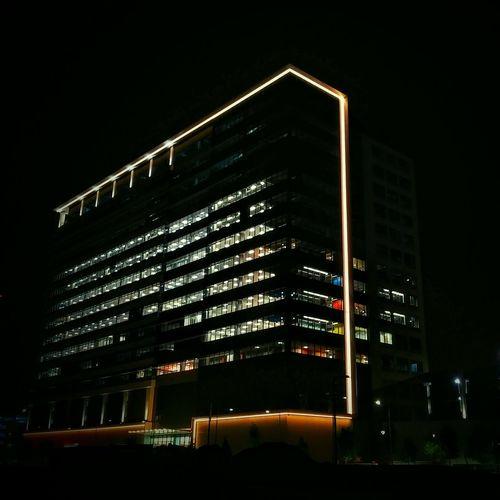 Cities At Night Office Building Office Coolbuildings Night View Building Exterior Buildingstyles Nightlights