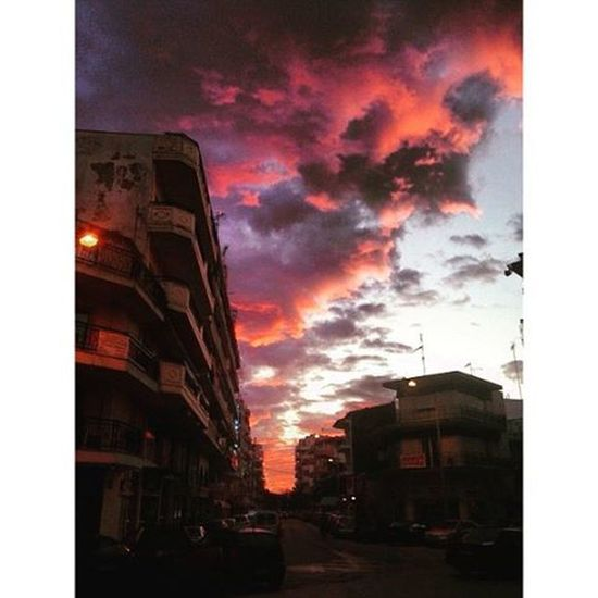 This sky's in love with you.➰ Sky Skyonfire Red Colourful Coloursareeverywhere Loveisallaroundus Nofilterneeded Vscolove Vscoaddict Vscoathens Allyouneedislove ❤