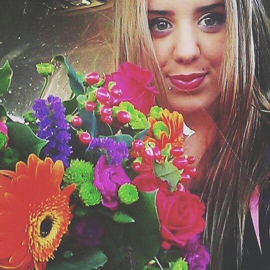Selfie Flowers Enjoying Life Smile