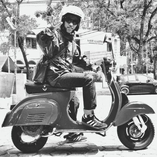 Hanging Out Vespa Adidas Smallframe Westjava ride ride ride!!!!!!!