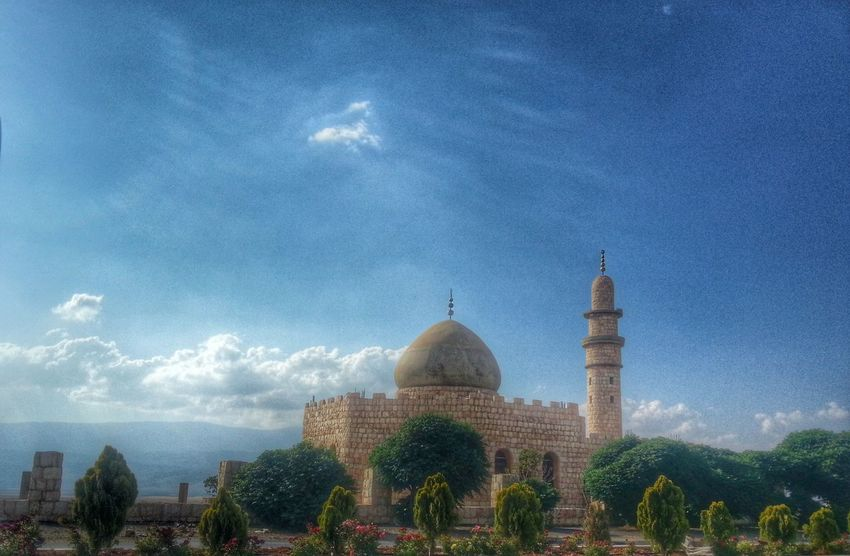 A mosque ... a place where lovers meet! There will be happiness and inner peace ? .. good night my friends Mosque Landscape Taking Photos HDR Collection