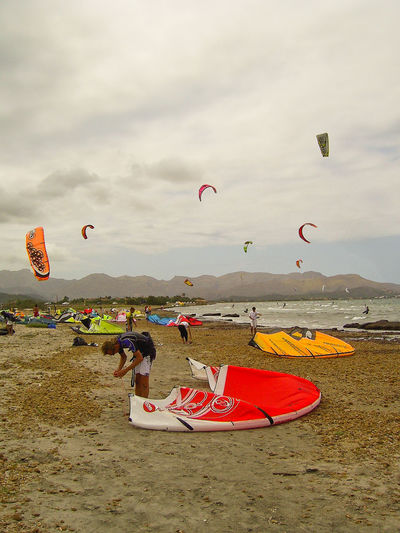 Adventure Beach Color Colorful Colors Enjoyment Extreme Sports Flying Fun Kite Kitesurfing Leisure Activity Mid-air Multi Colored Parachute Sand Sea Sport Sport In The City Sports Sports Photography The Color Of Sport Transportation Vacations capturing motion Lieblingsteil