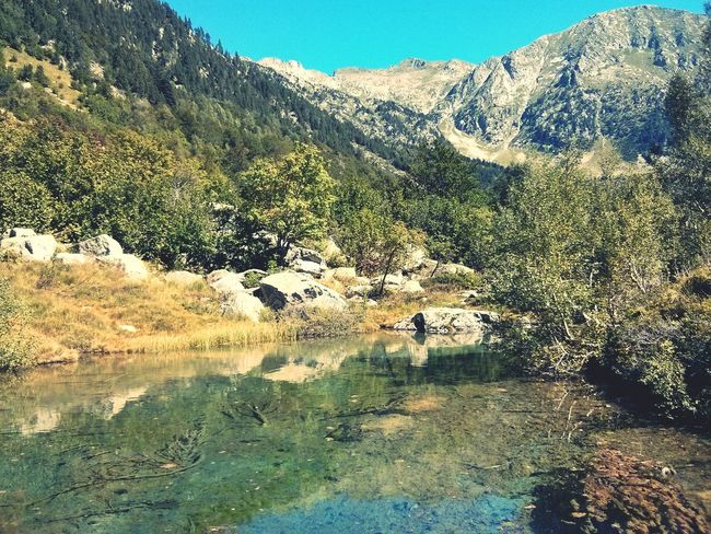 Nature No People Day Mountain Outdoors Sunlight Water Beauty In Nature Sky River Riu Tranquility Piensaenverde Green Color Excursion In The Natur Catalunyaexperience Scenics Rural Scene