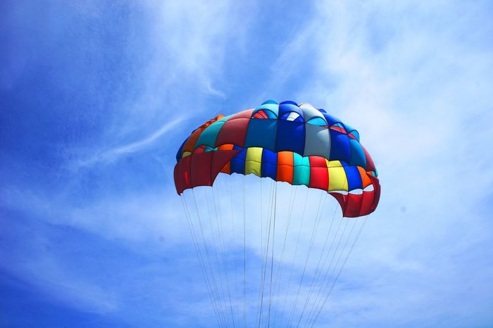 Parasailing! Adventure Blue Sky Cloud - Sky Day Extreme Sports Leisure Activity Lifestyles Low Angle View Multi Colored Outdoors Parachute Parasailing Pattaya Sky Soaring Up Above Thailand The City Light Live For The Story The Great Outdoors - 2018 EyeEm Awards The Traveler - 2018 EyeEm Awards