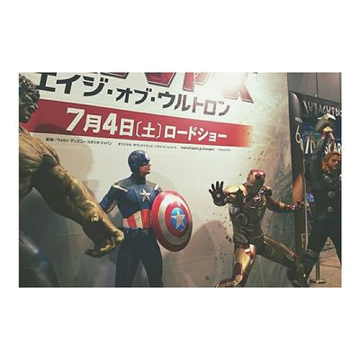 I almost died waiting for this movie to be released...but now, time has come. Finally got to see Avengers on 4thofjuly 🎊🎊 Yay Notdead Igotthroughit Avengersageofultron Shibuya Shibuya109 Tokyo Instamovie . 念願の!!!!アベンジャーズ !!!観てきました😍生きててよかった とりあえずあと2回は観るかな💪 個人的にVisionがツボ😍ベタニーのデコの破壊力😍 みんな観てください。以上です。